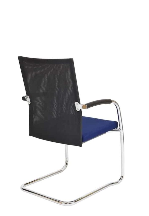 Vergaderstoel F260 slede frame met zwarte rug mesh en blauwe zitting