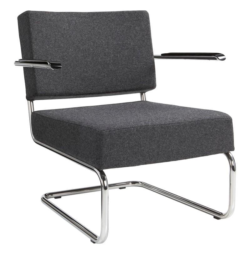 Design stoel of fauteuil gestoffeerd met wollen viltstof