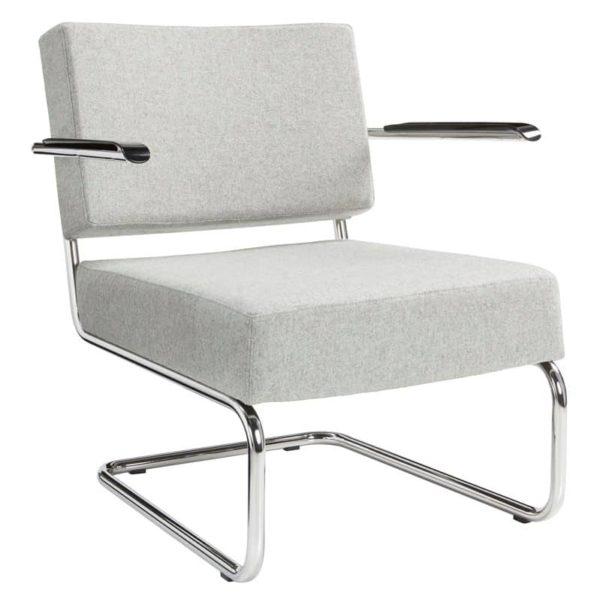 Design stoel of fauteuil gestoffeerd met wollen viltstof kleur lichtgrijs